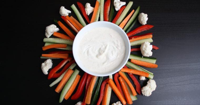 Grønnsaker med hjemmelaget dipp
